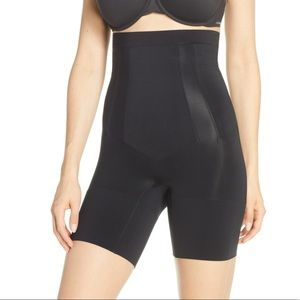 SPANX Oncore High Waist MidThigh Shaping Shaper